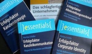 Bücher und Essentials von Martina Schäfer
